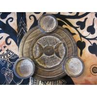 Triple moon tealight holder