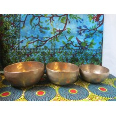 Set of 3 Singing Bowls (13.5cm, 12.5cm, 11cm)