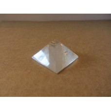Quartz pyramid 25mm